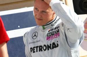 Michael Schumacher double le champion du monde en titre pour son come-back ! Ça lui rappelle ses débuts !