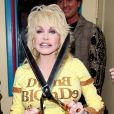 Dolly Parton inaugure sa nouvelle boutique, Trinkets and Treasures, à Nashville, Tennessee, le 12 mars 2010 !