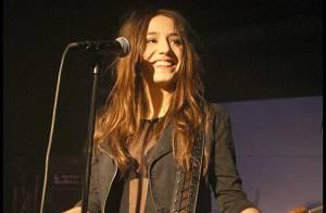 Izia Higelin : Elle a offert un nouveau show électrique à ses fans !