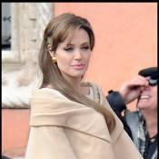 Angelina Jolie : 15 ans seulement et déjà magnifique... Elle vaut de l'or !
