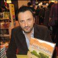 Frédéric Lopez lors du Salon du livre à Paris le 28 mars 2010