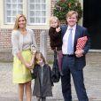 La famille royale des Pays-Bas (photo : Maxima et Willem-Alexander avec leurs filles) était au grand complet pour le baptême de la petite Eliane, le 28 mars 2010
