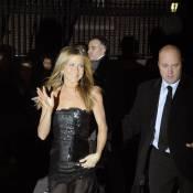 Jennifer Aniston : Tellement sublime... qu'elle en a craqué sa robe ! Oups !