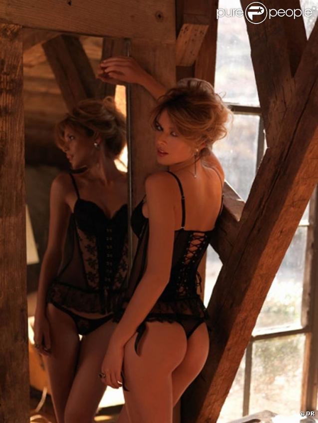 Florencia Salvioni pour la marque de sous-vêtements Le Pink Lingerie.