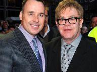Elton John s'offre un double rendez-vous avec la future mariée Lara Stone et son amoureux...