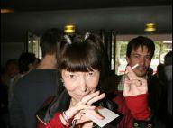 Regardez la très drôle Brigitte Fontaine et l'énervée Geneviève de Fontenay, qui se fait clouer le bec par le Petit Journal !