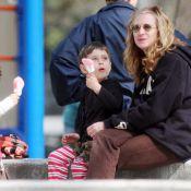 Holly Hunter : Même si elle va être au chomage, avec ses adorables jumeaux... la star nage dans le bonheur !