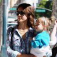 Jessica Alba et Honor à Beverly Hills. 7/04/2010