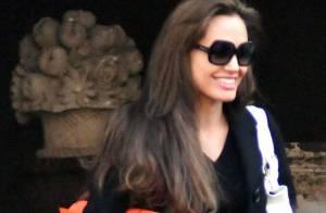 Angelina Jolie a repris le chemin du travail... avec un radieux sourire !