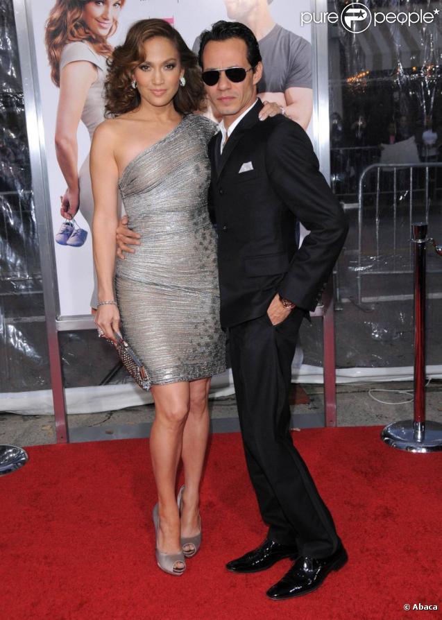 Jennifer Lopez à la première de The Back-Up Plan  (Le Plan B), à Los Angeles. Son mari, le latin lover Marc Anthony, est à ses côtés. 21/04/2010