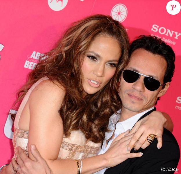 La chanteuse Jennifer Lopez et son époux, Marc Anthony, lors de la soirée US Weekly Hot Hollywood Style, le jeudi 22 avril.