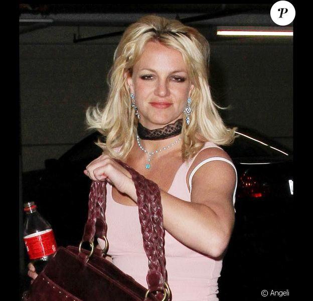 Britney Spears se rend chez son avocat à Los Angeles le 28 avril 2010