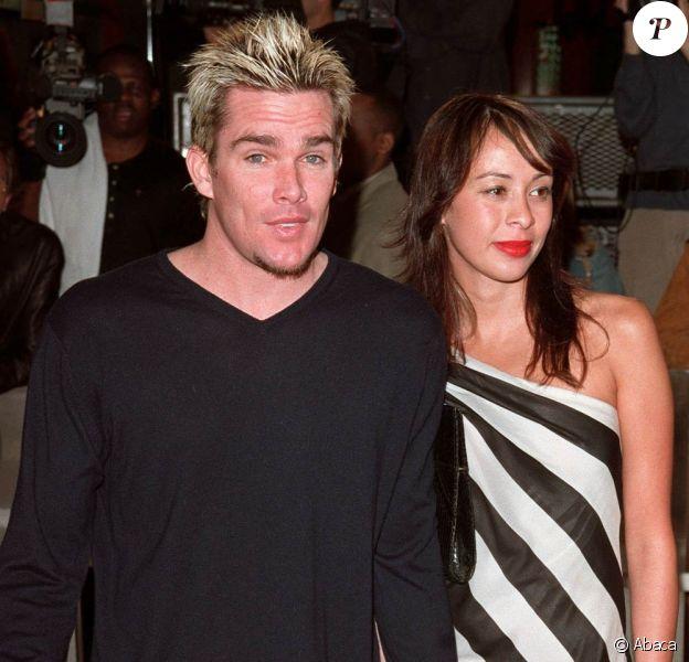 Le rockeur Mark McGrath (42 ans) et sa fiancée Carin (37 ans) sont devenus le 29 avril 2010 parents de jumeaux... Photo : le couple, en 2001.