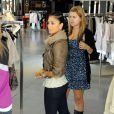 Nicole Scherzinger fait du shopping à Beverly Hills. 29/04/2010