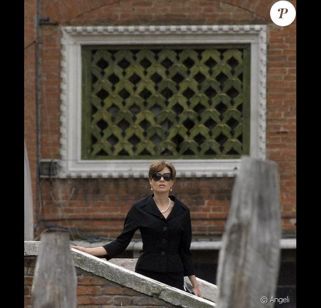Angelina Jolie en tournage de The Tourist à Venise. Le 3 mai 2010