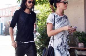 Quand Katy Perry donne des leçons à son fiancé Russell Brand... ça le fait transpirer !