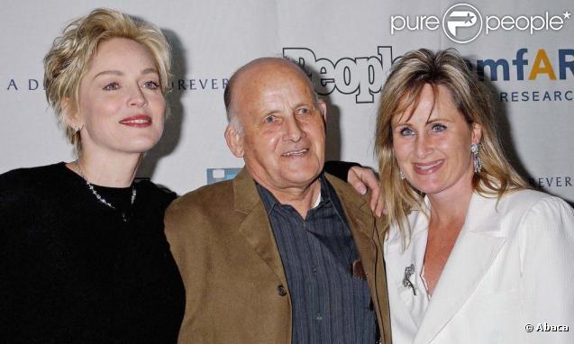 Sharon Stone avec son père et sa soeur Kelly en 2003