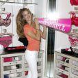 Rosie Huntington-Whiteley à Los Angeles pour Victoria's Secret, le 11 mai 2010
