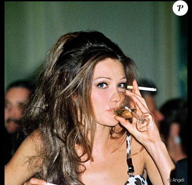 Carla Bruni avant. En 1992.