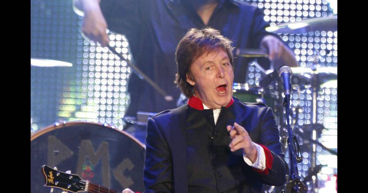 paul mccartney le papy du rock est toujours au top purepeople. Black Bedroom Furniture Sets. Home Design Ideas