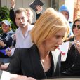 Cynthia Nixon quitte son hôtel londonien le 28 mai 2010