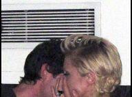 Paris Hilton : Surprise en plein flirt avec le beau Adrien Brody !