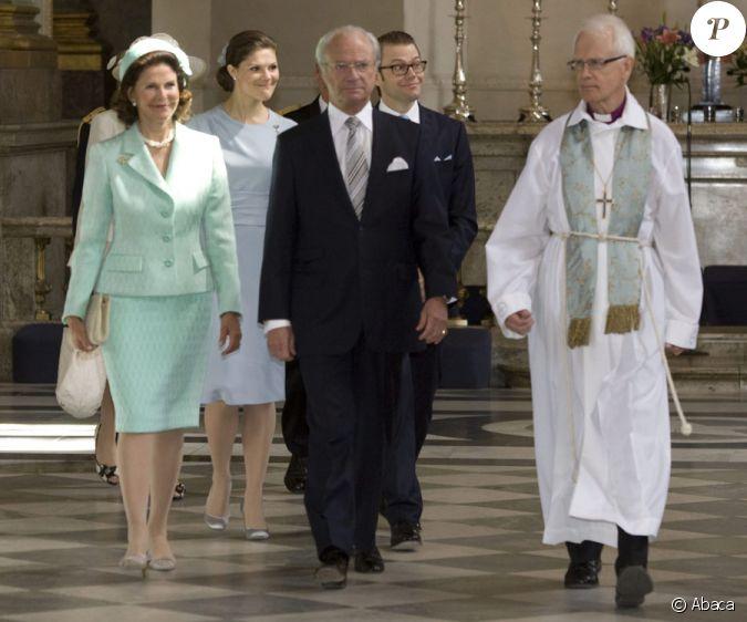La reine silvia et le roi carl xvi gustaf lors de la publication des bans du mariage de victoria - Publication banc mariage ...
