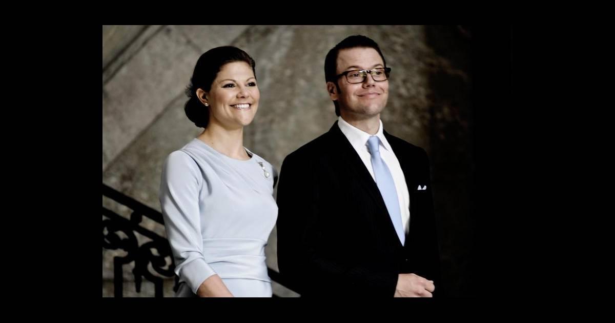 Daniel westling et de victoria de su de lors de la publication des bans de leur mariage le 30 - Publication banc mariage ...