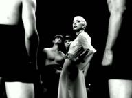"""Lady Gaga dévoile un extrait du clip """"Alejandro""""... nouveau look, nouvelle coupe, drôle d'ambiance !"""