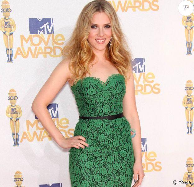 La sublime Scarlett Johansson lors de la grande soirée des MTV Movie Awards 2010, à Los Angeles, le 6 juin 2010.