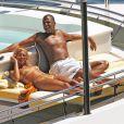 Jay-Z et Beyoncé se prélassent sur leur Yacht au large de la côte d'Azur.