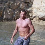 Découvrez le mentaliste Simon Baker, en petite tenue : il se trouve sexy et il a bien raison ! (réactualisé)