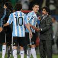 Diego Maradona jouait gros, samedi 12 juin, pour le match Argentine-Nigéria... Son équipe a finalement arraché la victoire (1-0) grâce à un but de Gabi Heinze à la 6e minute de jeu.