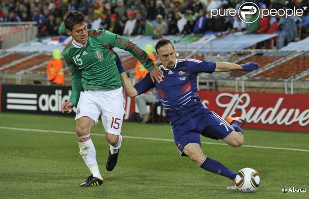 Des images de la déroute des Bleus face au Mexique, 2 buts à 0, en Afrique du Sud, le 17 juin 2010.