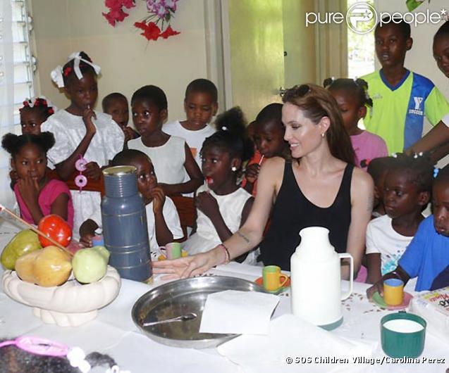 Le 21 juin, SOS Village Children a accueilli à Haïti l'arrivée d'Angelina Jolie, ambassadrice de bonne volonté des Nations-Unies