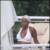 Pour la sexy Mary J. Blige, les vacances c'est Sea, Sun &... Tatoos !