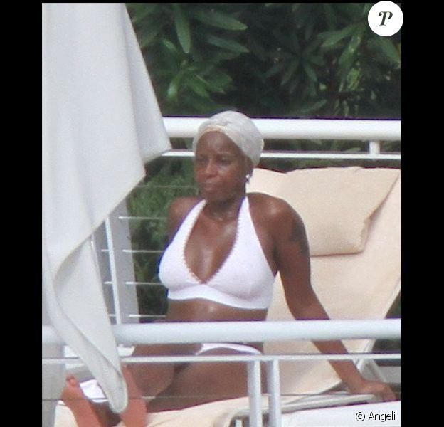 Mary J. Blige en vacances à Miami le 20 juin 2010
