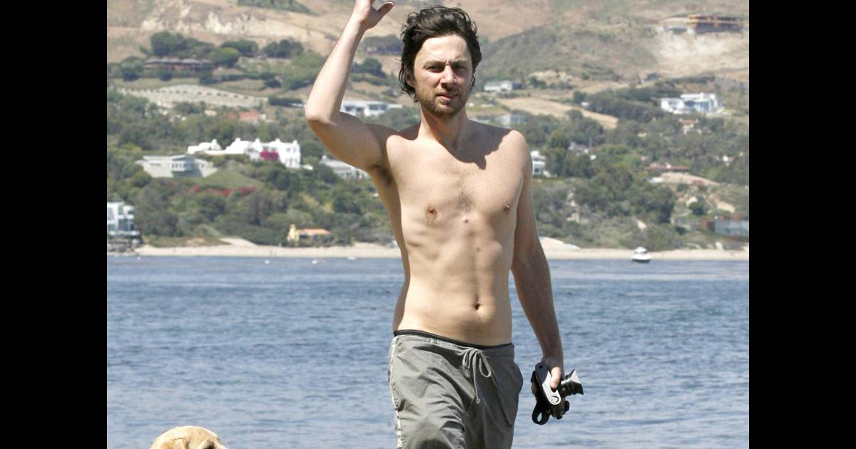 zach braff ou le corps d 39 un adolescent pr pub re qui n 39 a jamais vu le soleil purepeople. Black Bedroom Furniture Sets. Home Design Ideas