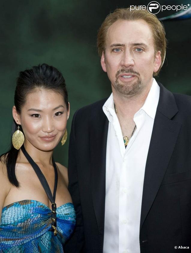 Nicolas Cage et Alice Kim à l'occasion de l'avant-première de  L'apprenti sorcier , au New Amsterdam Theatre, à New York, le 6 juillet 2010.