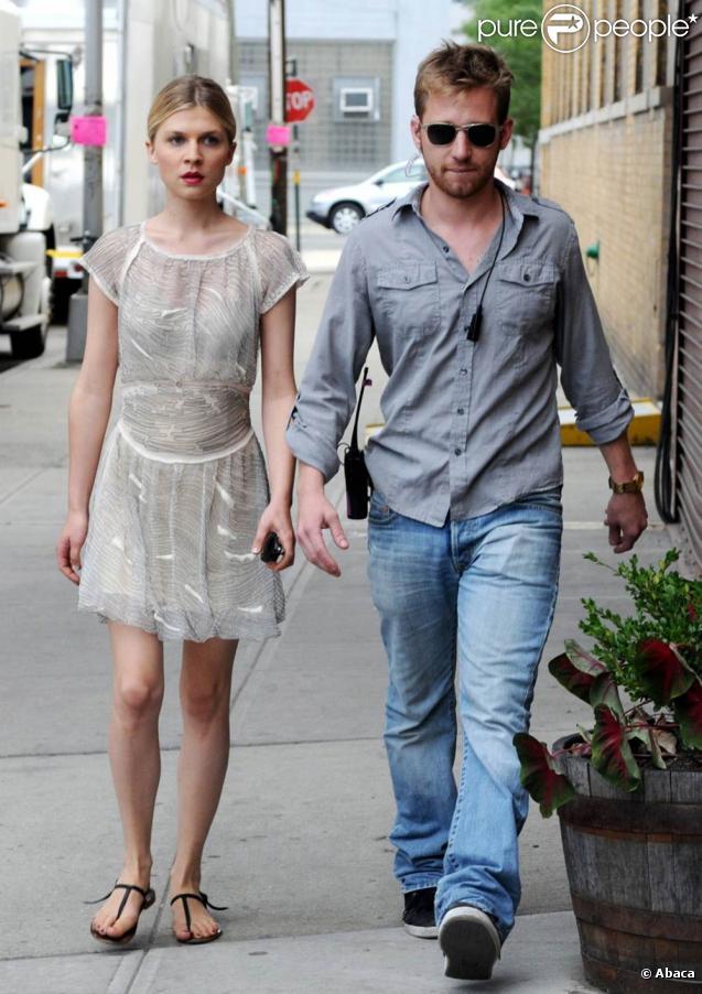 Clémence Poésy sur le tournage de Gossip Girl, le 12 juillet 2010 à New York