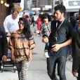 M.I.A, son compagnon Ben Brewer et leur fils Ikhid arrivent au David Letterman show à New York