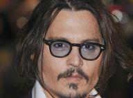 Regardez Johnny Depp et la craquante Isla Fisher... changer littéralement de peau !