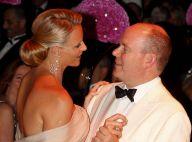 Le prince Albert et sa Charlene, majestueux, ont amoureusement ouvert le bal du 62e gala de la Croix Rouge...
