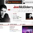 Joe McElderry, 19 ans, vainqueur de X-Factor en 2009, a fait son coming out suite à un piratage de son Twitter.