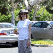 Kim Basinger : Une petite mine, mais toujours aussi active !