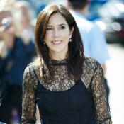 Mary de Danemark : Enceinte de jumeaux, ses rondeurs naissantes ne contrarient pas son style !