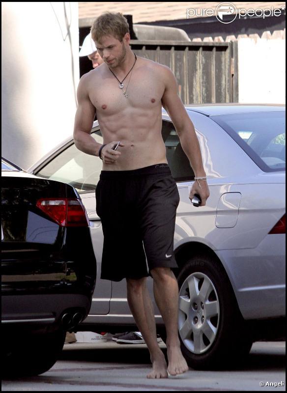 Kellan Lutz, sexy.... (1er septembre 2010, Etats-Unis)