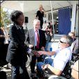 Jean-Marie Bigard a testé la vie en chaise roulante pour l'association Handynamic, ici avec Rama Yade