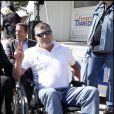 Jean-Marie Bigard a testé la vie en chaise roulante pour l'association Handynamic
