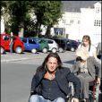 Francis Lalanne a testé la vie en chaise roulante pour l'association Handynamic